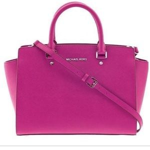 Michael Kors Selma Large Bag in Fuchsia